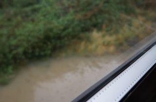 線路も水浸し
